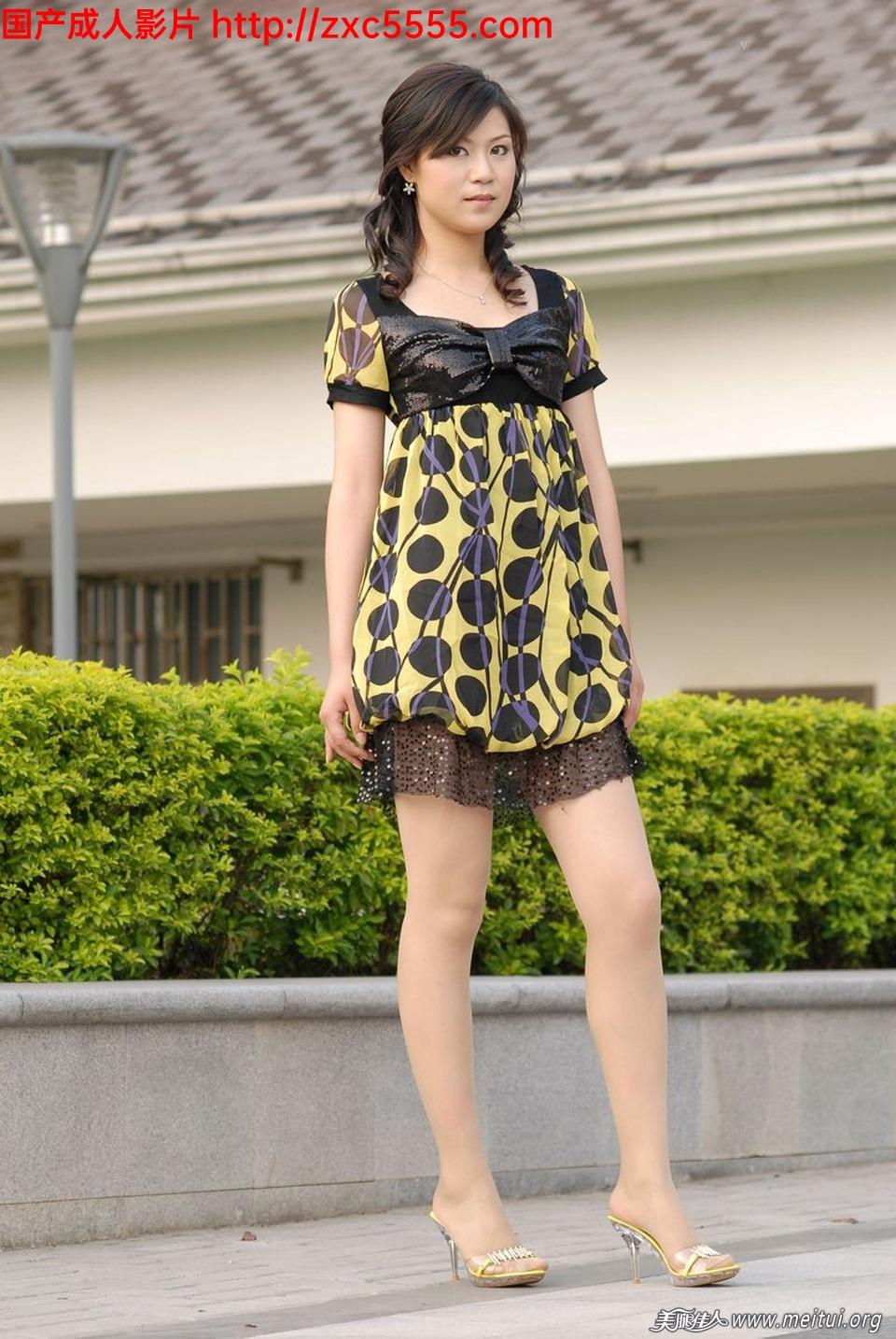 草裙小书_小区门口的高品质美腿妹子【14P】_丝袜诱惑-久久热大香蕉-大